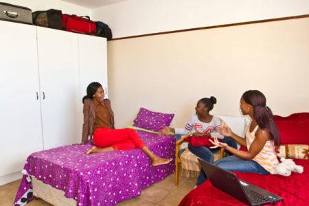 Residencia Estudiantil Con Contenedores