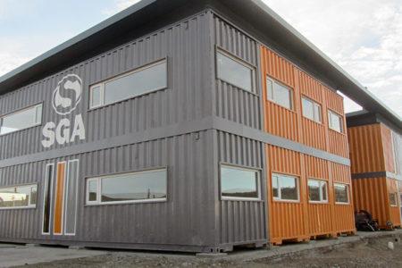 Edificio De Contenedores En Comodoro Rivadavia: Múltiples Espacios En 600 M2