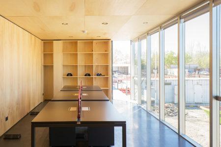 Complejo De Oficinas Con Sistema De Panelería